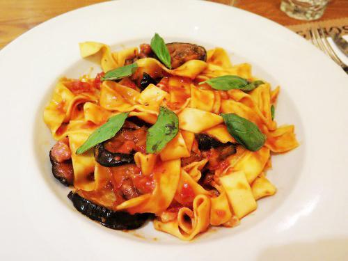 ginos-restaurante-italiano-bilbao-e1419589023669