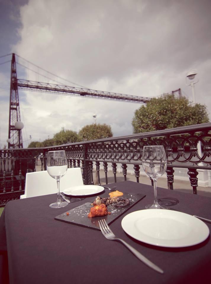 Las 6 terrazas con mejores vistas de bilbao bilbaoclick for Hotel puente colgante