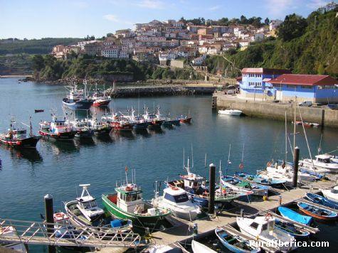 puerto lastres asturias