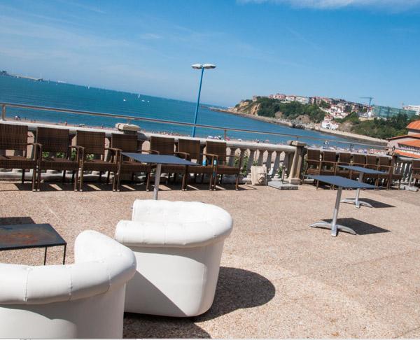 Tamarises Izarra Terraza frente al mar