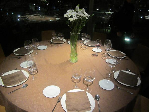 mesa-restaurante-arbolagañabilbao