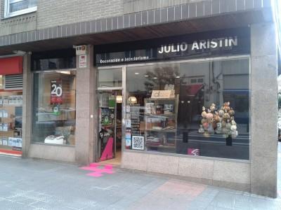 Julio Aristin Decoración escaparate Arteshop 2014