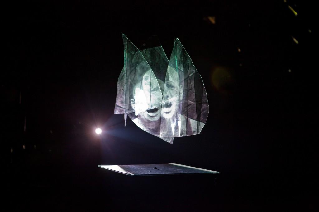 azkuna-zentroa-Sung Glass-Pe Okx
