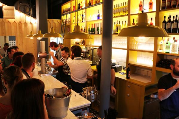 016-el_puertito-bar_ostras-inauguracion_ledesma_bilbao