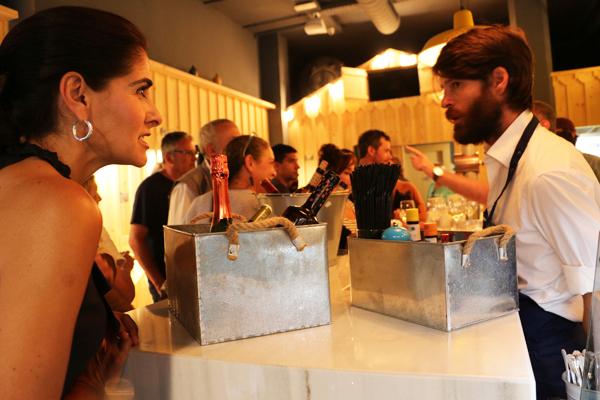 06-el_puertito-bar_ostras-inauguracion_ledesma_bilbao