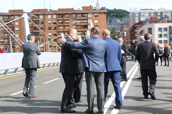 024-puente_frank_ghery-inauguracion-arquitectura_bilbao-deusto_zorratzaurre