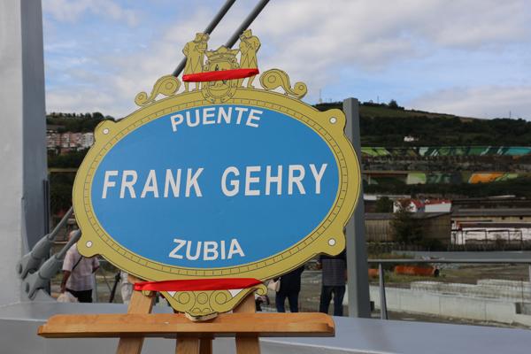 025-puente_frank_ghery-inauguracion-arquitectura_bilbao-deusto_zorratzaurre