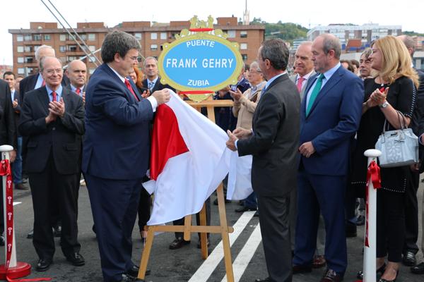 10-puente_frank_ghery-inauguracion-arquitectura_bilbao-deusto_zorratzaurre