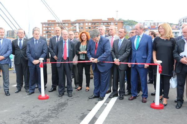 3-puente_frank_ghery-inauguracion-arquitectura_bilbao-deusto_zorratzaurre