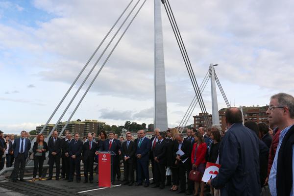 4-puente_frank_ghery-inauguracion-arquitectura_bilbao-deusto_zorratzaurre