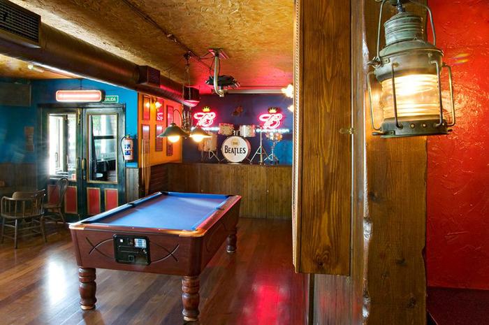crazy horse bilbao pub restaurante