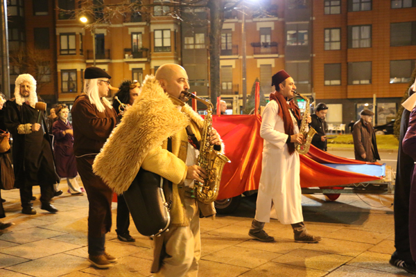 2-carnaval_bilbao_2016-juicio_zarambolas_farolin-ane_zabala-galder_perez