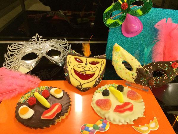 Este carnaval adquiere tu careta comestible en carnaval y mucho más en Pastelería Don Manuel en c/ Urquijo ( Junto a Plaza Arrikibar )