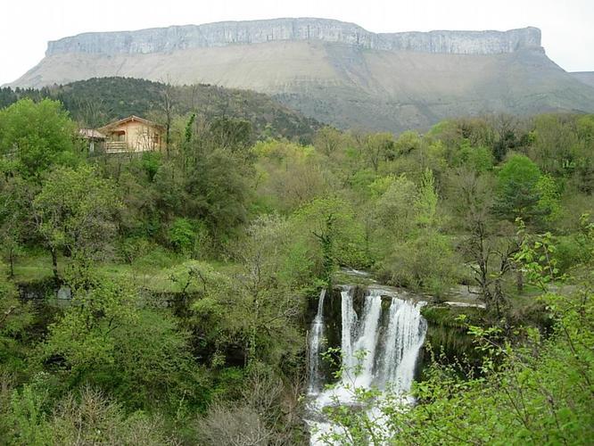 las casas de la cascada turismo escapada bilbao