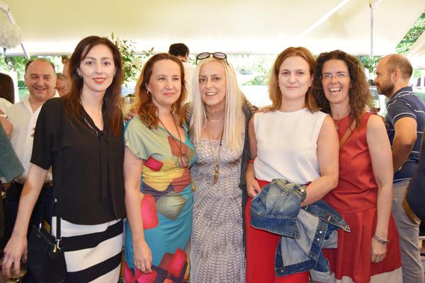 Joaquina Trinidad, Blanca Uriarte, Olga Zulueta, Ana Ybarra y Beatriz Marcos