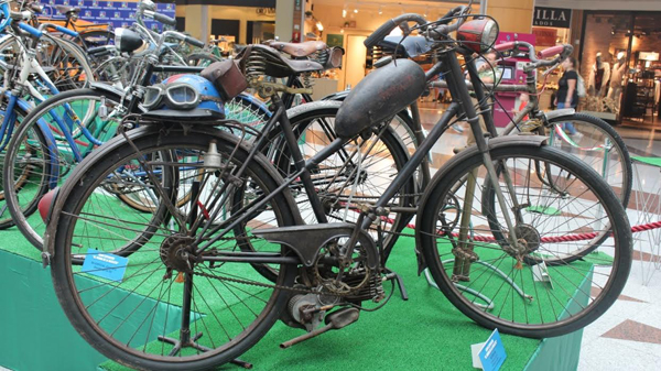 max center exposicion bicicleta
