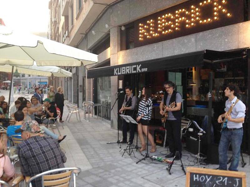 4-bares-rica-mejor-ambiente-junto-ria-bilbao